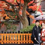 京都の紅葉の中で和装前撮り